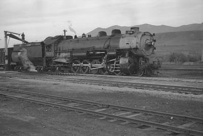 UP_2-10-2_5035-with-train_McCammon_June-1946_002_Emil-Albrecht-photo-0203-rescan