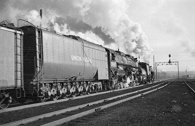 UP_4-6-6-4_3947-with-train_Ogden_1946_003_Emil-Albrecht-photo-0214