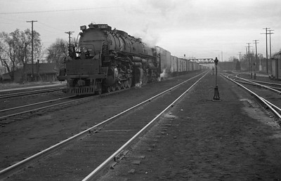 UP_4-8-8-4_4007-with-train_Ogden_1946_001_Emil-Albrecht-photo-0219