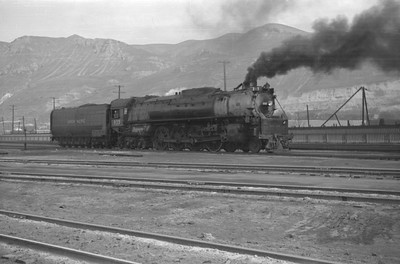 UP_4-8-4_833_Salt-Lake-City_1946_Emil-Albrecht-photo-0216-rescan