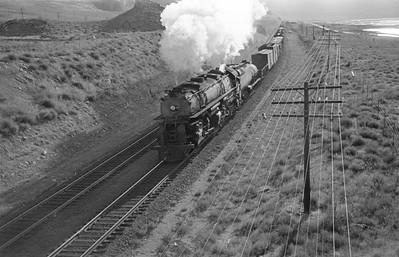 UP_4-6-6-4_3835-with-train_Garfield_1946_001_Emil-Albrecht-photo-0213
