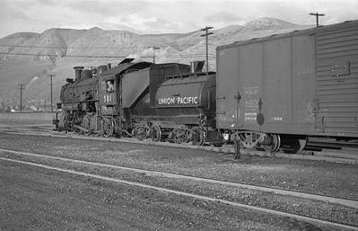 UP_2-8-0_581-with-train_Salt-Lake-City_1946_002_Emil-Albrecht-photo-0213