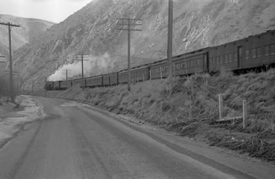 UP_4-8-8-4_4018-with-troop-train_Weber-Canyon_1946_002_Emil-Albrecht-photo-0217-rescan