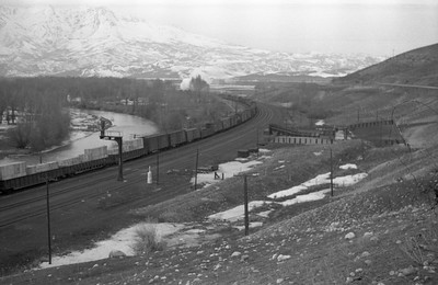 UP_4-8-8-4_4016-with-train_Peterson_1946_003_Emil-Albrecht-photo-0217-rescan