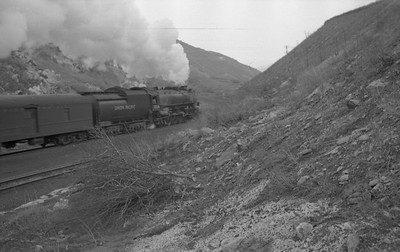 UP_4-8-2_7004-with-train_Gateway_1946_002_Emil-Albrecht-photo-0217-rescan