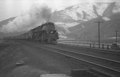 UP_4-6-6-4_with-train_Weber-Canyon_1946_001_Emil-Albrecht-photo-0217-rescan