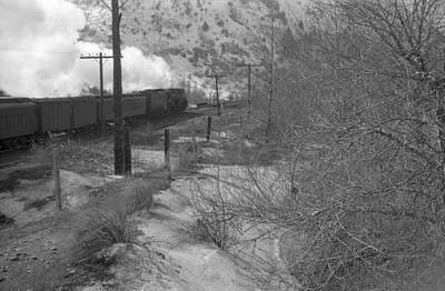 UP_4-6-6-4-3984-with-troop-train_Weber-Canyon_1946_002_Emil-Albrecht-photo-0217-rescan