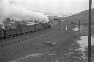 UP_4-8-8-4_4016-with-train_Peterson_1946_002_Emil-Albrecht-photo-0217-rescan