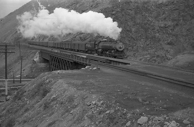 UP_4-8-2_7004-with-train_Gateway_1946_001_Emil-Albrecht-photo-0217-rescan