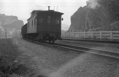 UP-train_Weber-Canyon_1946_Emil-Albrecht-photo-0217-rescan