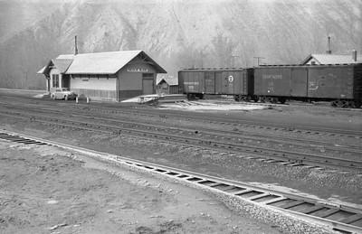 UP_Devils-Slide-depot_1946_Emil-Albrecht-photo-0217-rescan