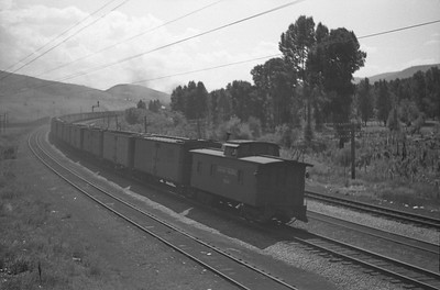 UP_4-6-6-4_3942-with-train_peterson_Aug-30-1947_003_Emil-Albrecht-photo-0223