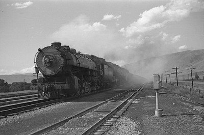 UP_4-6-6-4_3995-with-train_Echo_Aug-30-1947_001_Emil-Albrecht-photo-0223
