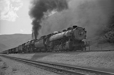 UP_4-6-6-4_3995-with-train_Echo_Aug-30-1947_004_Emil-Albrecht-photo-0223