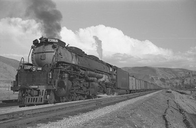 UP_4-6-6-4_3966-with-train_Echo_Aug-29-1947_001_Emil-Albrecht-photo-0222