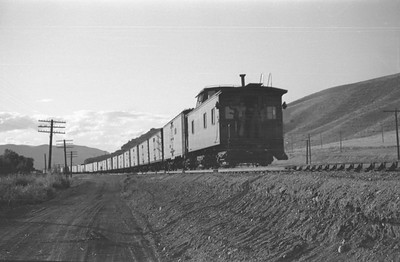 UP_4-6-6-4_3966-with-train_Echo_Aug-29-1947_014_Emil-Albrecht-photo-0222