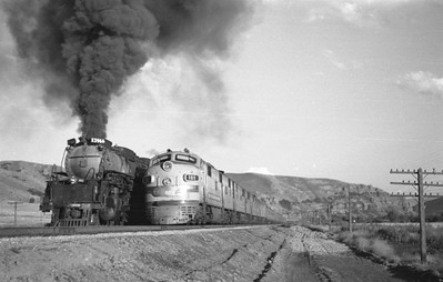 UP_4-6-6-4_3966-with-train_Echo_Aug-29-1947_009_Emil-Albrecht-photo-0222