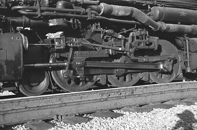 UP_4-6-6-4_3966-with-train_Echo_Aug-29-1947_005_Emil-Albrecht-photo-0222