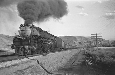 UP_4-6-6-4_3966-with-train_Echo_Aug-29-1947_011_Emil-Albrecht-photo-0222