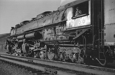 UP_4-6-6-4_3966-with-train_Echo_Aug-29-1947_007_Emil-Albrecht-photo-0222