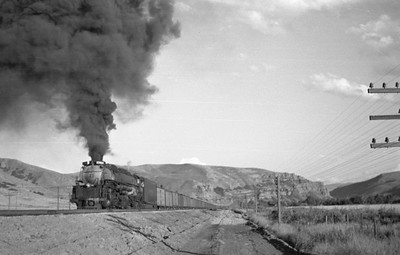 UP_4-6-6-4_3966-with-train_Echo_Aug-29-1947_010_Emil-Albrecht-photo-0222