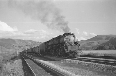 UP_4-6-6-4_3966-with-train_Echo_Aug-29-1947_002_Emil-Albrecht-photo-0222