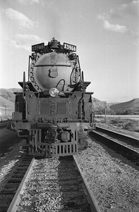 UP_4-6-6-4_3966-with-train_Echo_Aug-29-1947_004_Emil-Albrecht-photo-0222