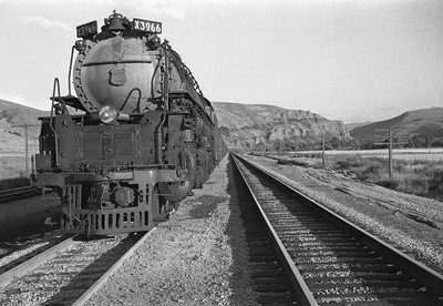 UP_4-6-6-4_3966-with-train_Echo_Aug-29-1947_003_Emil-Albrecht-photo-0222