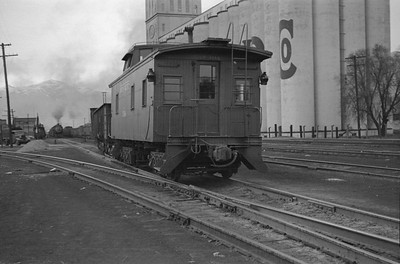 UP_2-10-2_5308-with-train_Ogden_March-22-1947_005_Emil-Albrecht-photo-0235-rescan