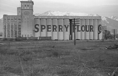 Sperry-Flour_Ogden_March-22-1947_002_Emil-Albrecht-photo-0235-rescan