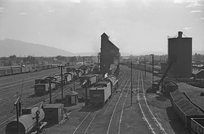 D&RGW-yards-looking-south_Salt-Lake-City_Oct-5-1947_002_Emil-Albrecht-photo-230-rescan