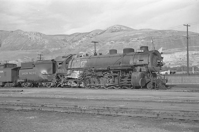 UP_2-10-2_5515-with-train_Salt-Lake-City_Oct-5-1947_002_Emil-Albrecht-photo-230-rescan
