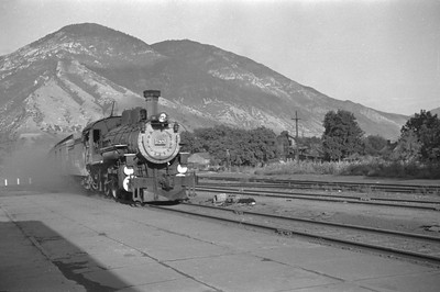 D&RGW_4-6-0_788-with-train_Provo_1947_001_Emil-Albrecht-photo-0254-rescan