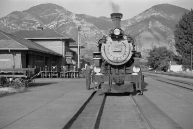 D&RGW_4-6-0_788-with-train_Provo_1947_005_Emil-Albrecht-photo-0254-rescan