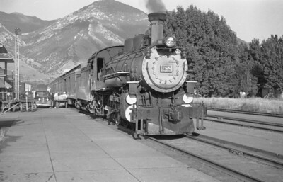 D&RGW_4-6-0_788-with-train_Provo_1947_003_Emil-Albrecht-photo-0254-rescan