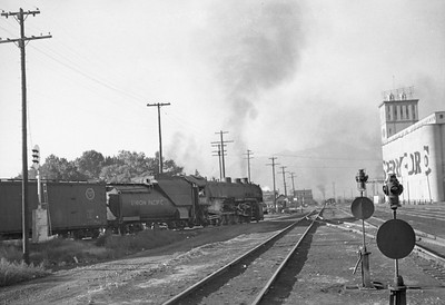 UP_2-10-2_5087-with-train_Ogden_Sep-3-1947_002_Emil-Albrecht-photo-0224-rescan