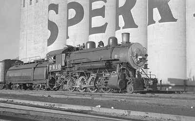 SP_2-8-0_2810-switching_Ogden_Sep-3-1947_Emil-Albrecht-photo-0224-rescan