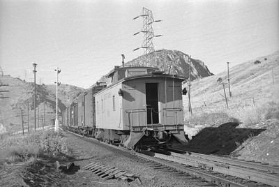 UP_2-8-8-0_3553-with-train_Wheelon_Aug-15-1948_007_Emil-Albrecht-photo-0242-rescan