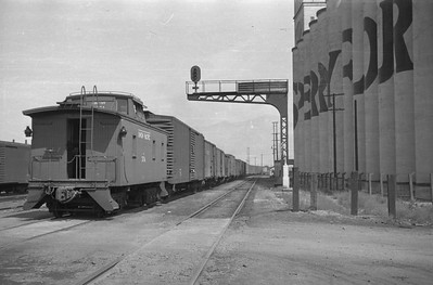 UP_2-10-2_5082-with-train_Ogden_Sep-01-1948_004_Emil-Albrecht-photo-201-rescan