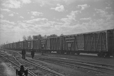 UP_F3_1402A-with-train_Salt-Lake-City_Jan-03-1948_005_Emil-Albrcht-photo-0202-rescan
