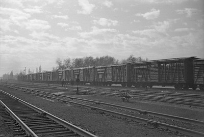 UP_F3_1402A-with-train_Salt-Lake-City_Jan-03-1948_004_Emil-Albrcht-photo-0202-rescan