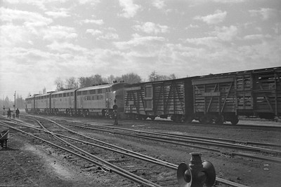 UP_F3_1402A-with-train_Salt-Lake-City_Jan-03-1948_003_Emil-Albrcht-photo-0202-rescan