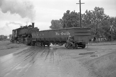 UP_2-8-0_539-switching_Logan_July-5-1948_003_Emil-Albrecht-photo-0240-rescan