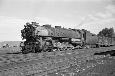 UP_4-12-2_9079-with-train_Montpelier_July-11-1948_001_Emil-Albrecht-photo-0240-rescan