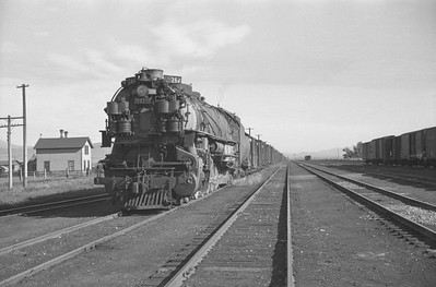 UP_4-12-2_9079-with-train_Montpelier_July-11-1948_003_Emil-Albrecht-photo-0240-rescan