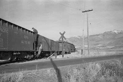 UP_2-8-0_607-with-train_Lewiston_Nov-27-1948_004_Emil-Albrecht-photo-0253-rescan
