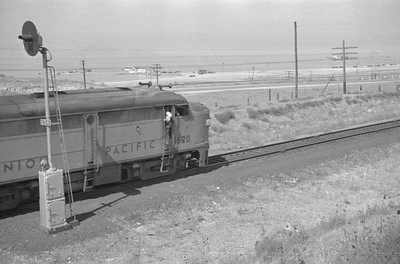 UP_Alco_1620-with-train_near-Black-Rock_Sep-2-1948_008_Emil-Albrecht-photo-0246-rescan