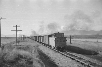UP_2-10-2_5037-with-train_near-McCammon_Sep-26-1948_004_Emil-Albrecht-photo-0249-rescan
