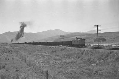 UP_2-10-2_5515-with-train_near-McCammon_Aug-26-1949_006_Emil-Albrecht-photo-0295-rescan