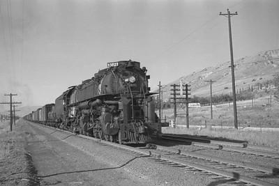 UP_4-6-6-4_3827-with-train_Becks_Aug-26-1949_001_Emil-Albrecht-photo-0295-rescan